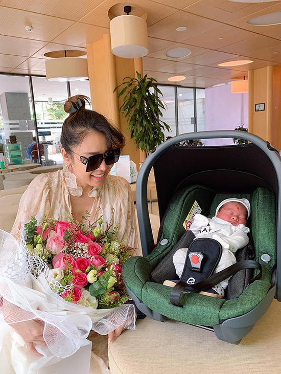 Quế Vân bị bạn trai ruồng bỏ từ khi chưa sinh con