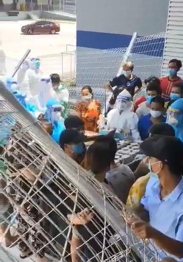 F0 xô rào, tranh cướp đồ ăn ở bệnh viện dã chiến tại Bình Dương-2