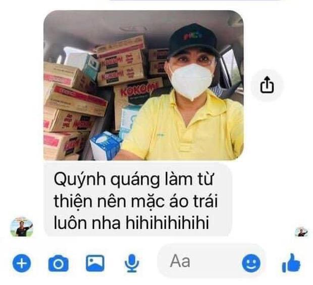 MC Quyền Linh mặc áo trái ra đường lại khiến fan thả tim không ngớt-2