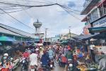 Chợ ở Phú Quốc đông đúc ngày đầu nới lỏng giãn cách