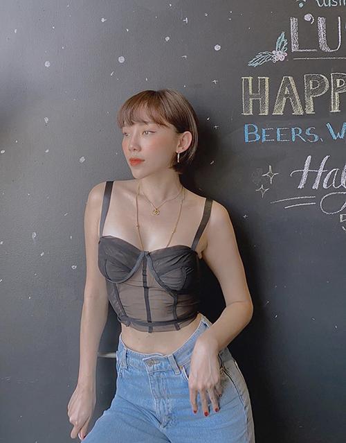 Tóc Tiên, Minh Tú mix đồ với áo bra khoe body bốc lửa-1
