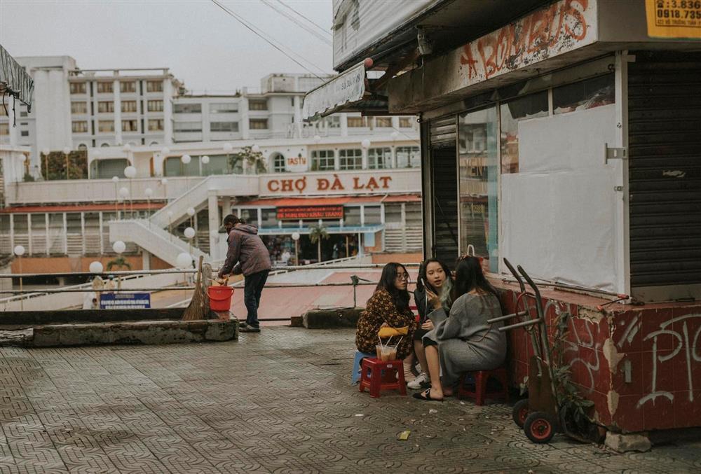 Đà Lạt mở cửa: Người trẻ hẹn hò ăn sáng, ngắm phố từ tinh mơ-9