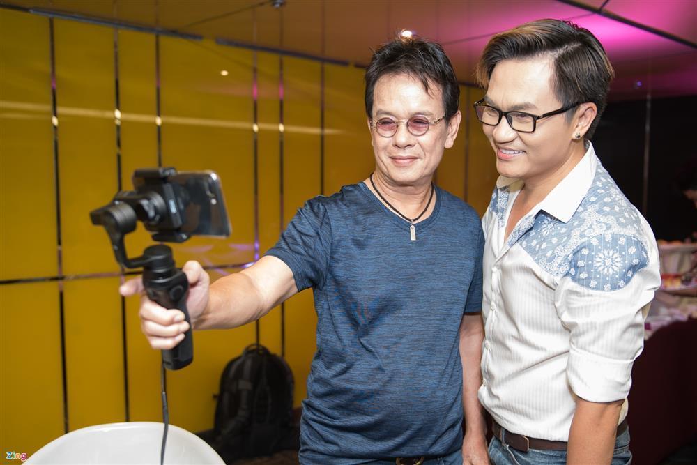 Nghệ sĩ Việt đừng thách đố khi bị yêu cầu minh bạch từ thiện-3