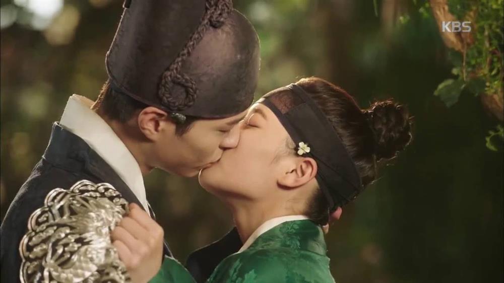 2 báu vật điện ảnh Hàn Kim Yoo Jung - Kim So Hyun: kẻ tám lạng người nửa cân-6