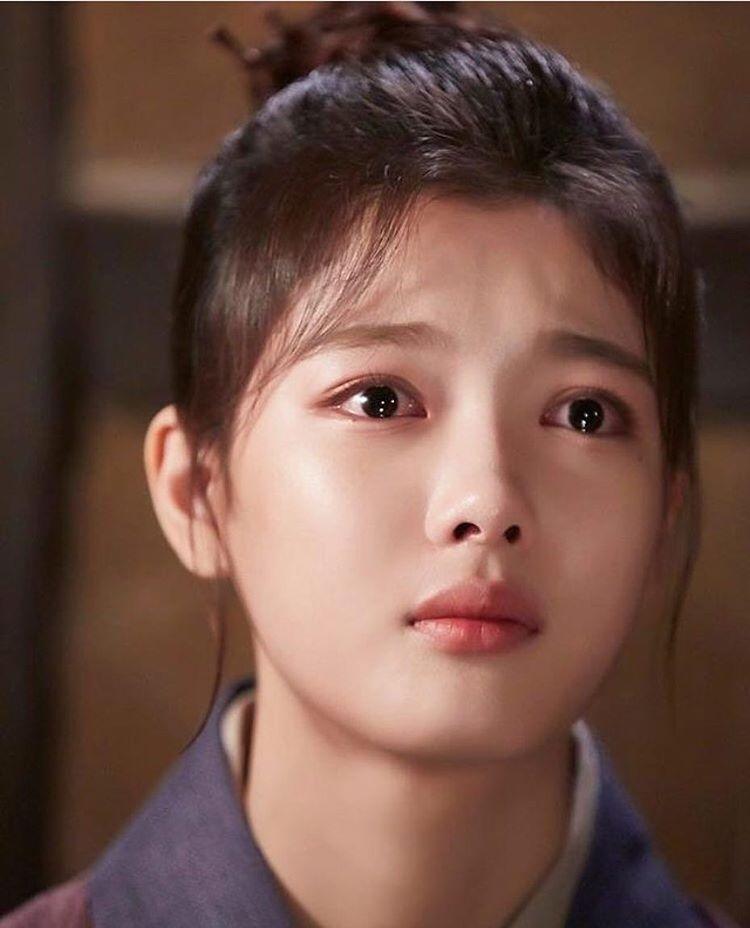 2 báu vật điện ảnh Hàn Kim Yoo Jung - Kim So Hyun: kẻ tám lạng người nửa cân-16