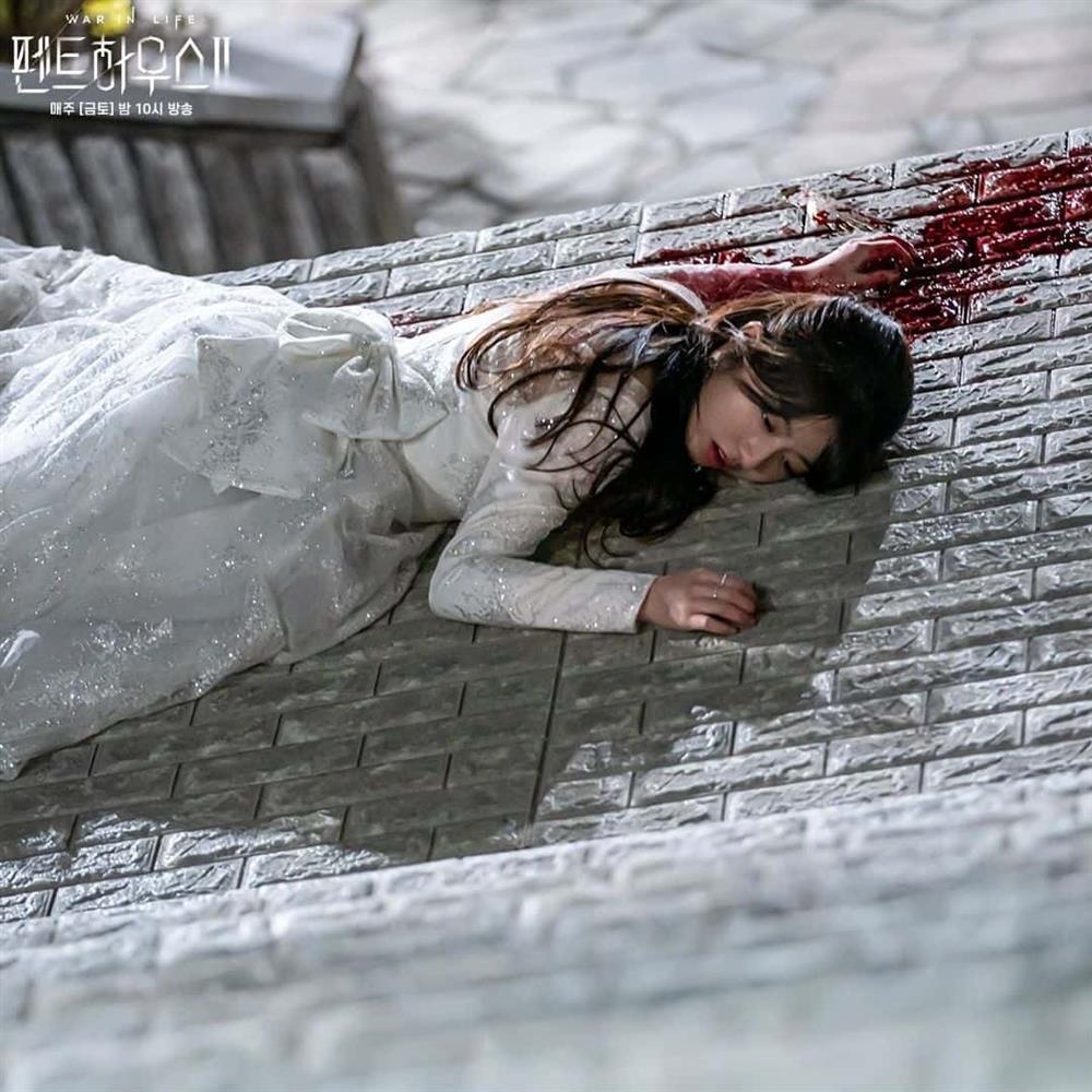 Nữ diễn viên làm nên điểm sáng ngọt ngào giữa những drama trong Penthouse-6