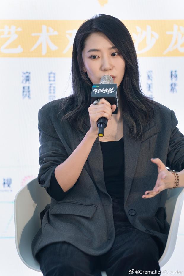 Sau 17 ngày phong sát, Triệu Vy bất ngờ có động thái trên Weibo-3