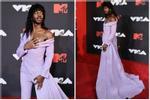 Nam rapper diện đầm dạ hội, dân mạng thắc mắc 'cái thai đâu rồi'?
