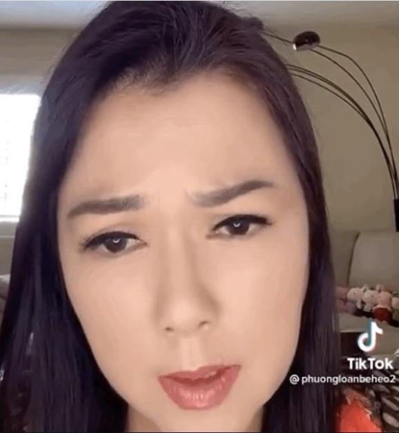 Vợ Chí Tài bị bình luận tiêu cực việc đăng ảnh viếng mộ