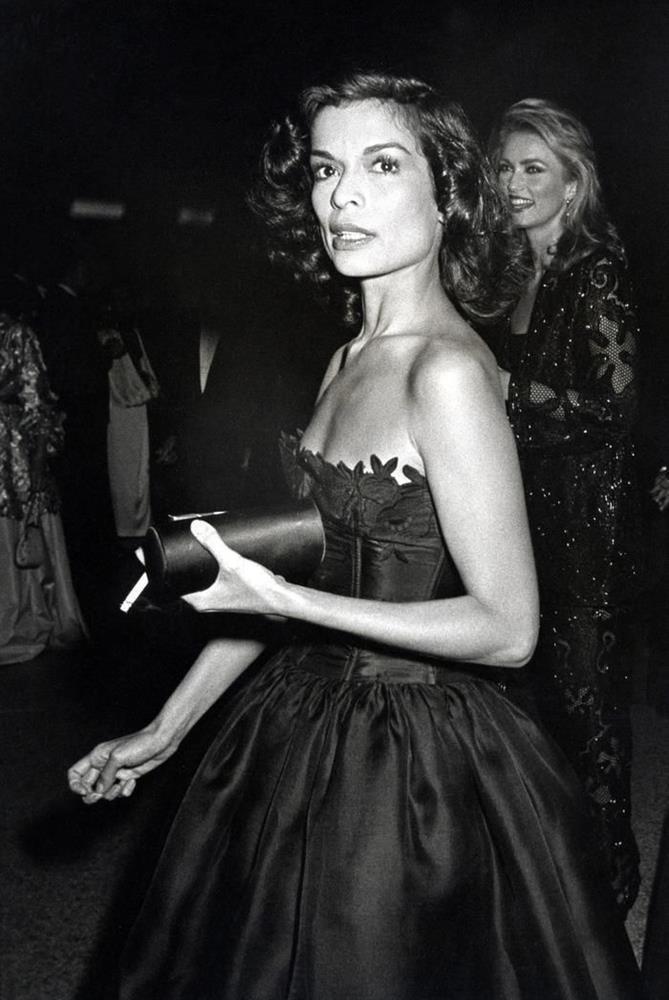 Vogue chọn ra 25 mỹ nhân đẹp nhất mọi thời đại tại thảm đỏ Met Gala-1