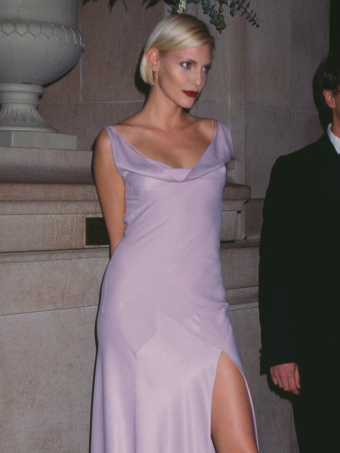 Vogue chọn ra 25 mỹ nhân đẹp nhất mọi thời đại tại thảm đỏ Met Gala-5