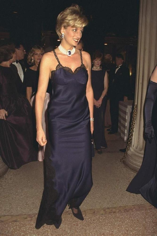 Vogue chọn ra 25 mỹ nhân đẹp nhất mọi thời đại tại thảm đỏ Met Gala-7