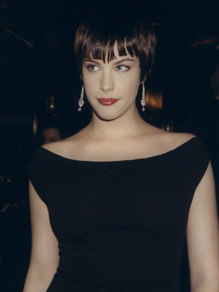 Vogue chọn ra 25 mỹ nhân đẹp nhất mọi thời đại tại thảm đỏ Met Gala-9