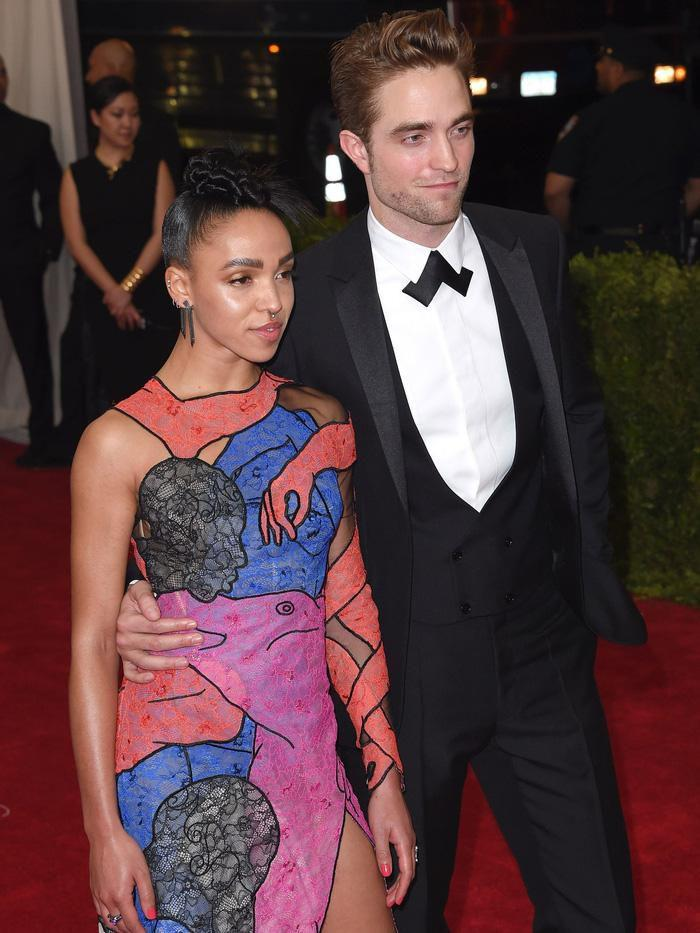Vogue chọn ra 25 mỹ nhân đẹp nhất mọi thời đại tại thảm đỏ Met Gala-18