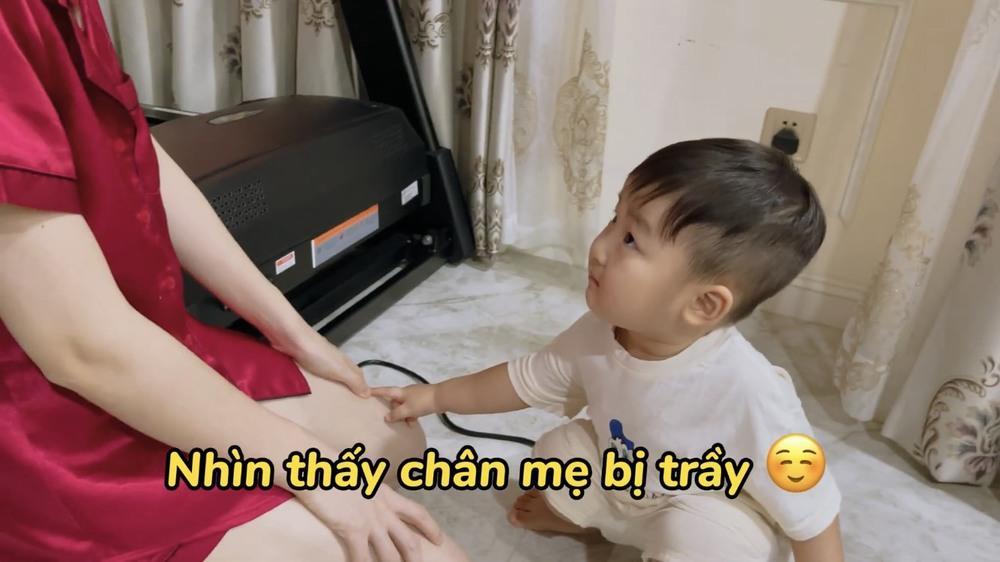 Vlog con trai Hòa Minzy bị xóa thẳng vì cảnh nhạy cảm?-5