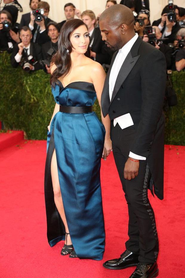 Kim Kardashian kiên quyết không hở miếng thịt nào ở Met Gala 2021-10