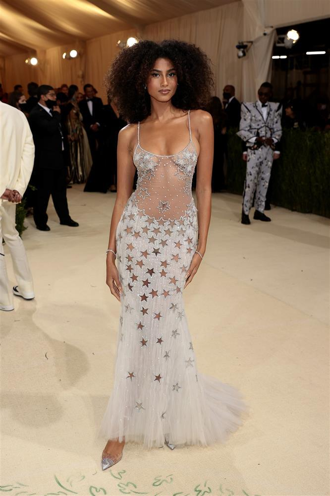 Kendall Jenner cầm đầu phe mặc mà như không ở Met Gala 2021-4