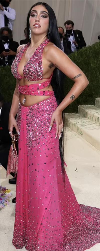 Con gái Madonna khoe lông nách trên thảm đỏ Met Gala 2021-4