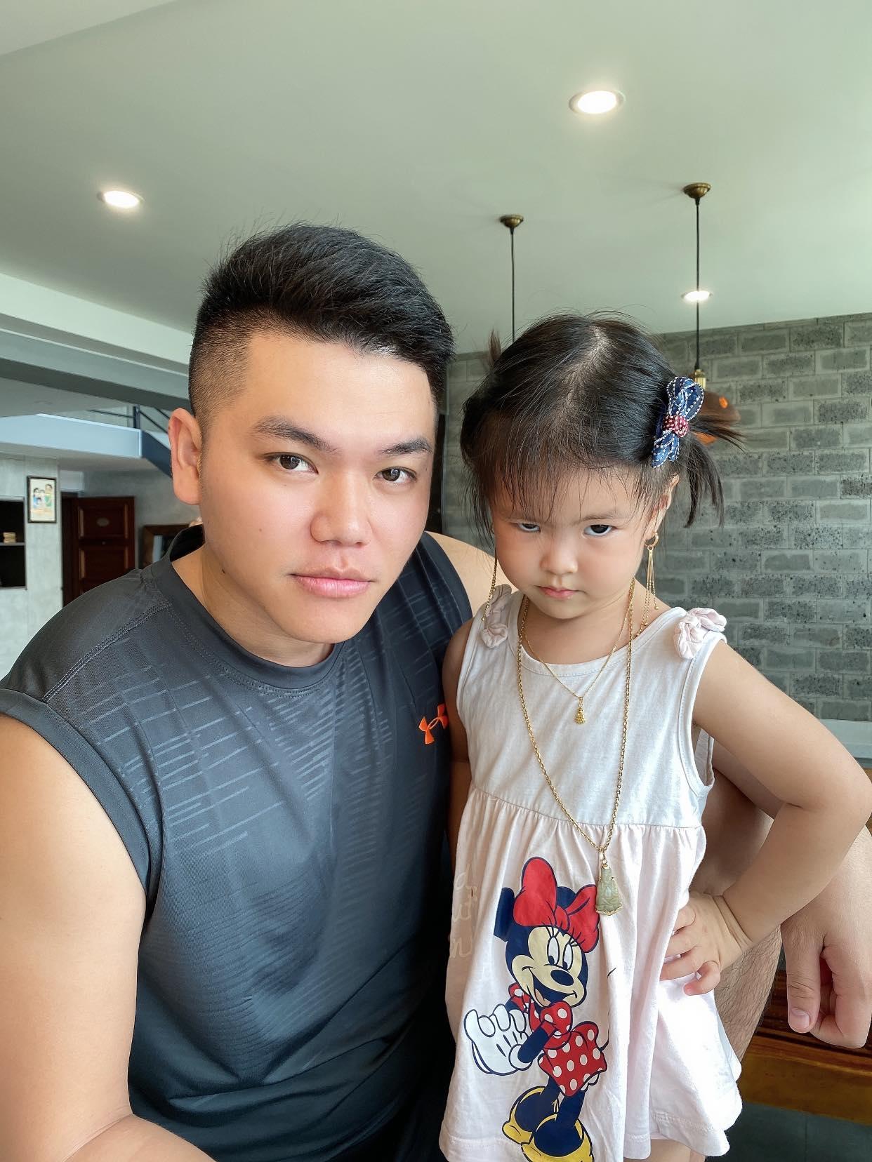 Tin sao Việt: Hari Won xót xa khi gia đình tại Hàn vẫn ở nhà thuê
