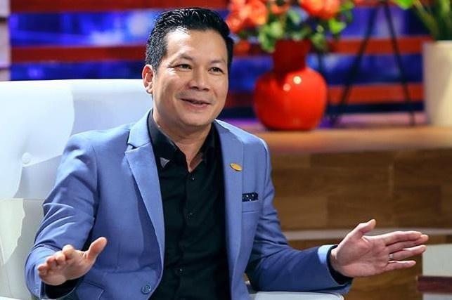 Shark Hưng bị chất vấn chuyện 2 đời vợ-1