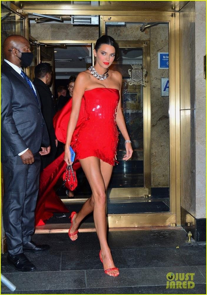 kendall-jenner-red-hot-for-met-gala-after-party-05.jpeg