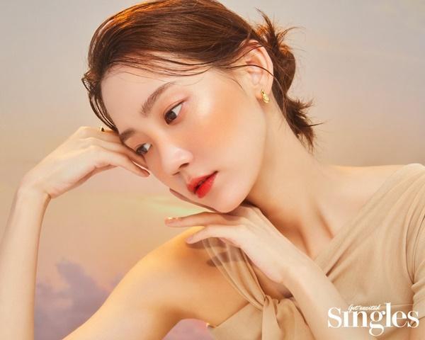 Nhan sắc sao nữ đóng vai người Việt Nam-1