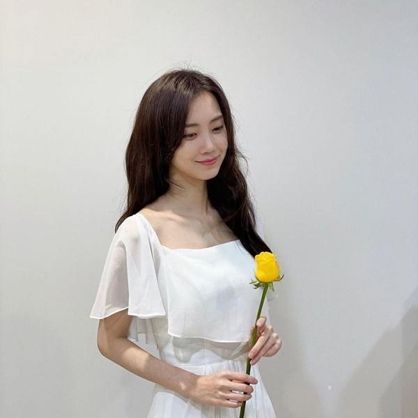 Nhan sắc sao nữ đóng vai người Việt Nam-12
