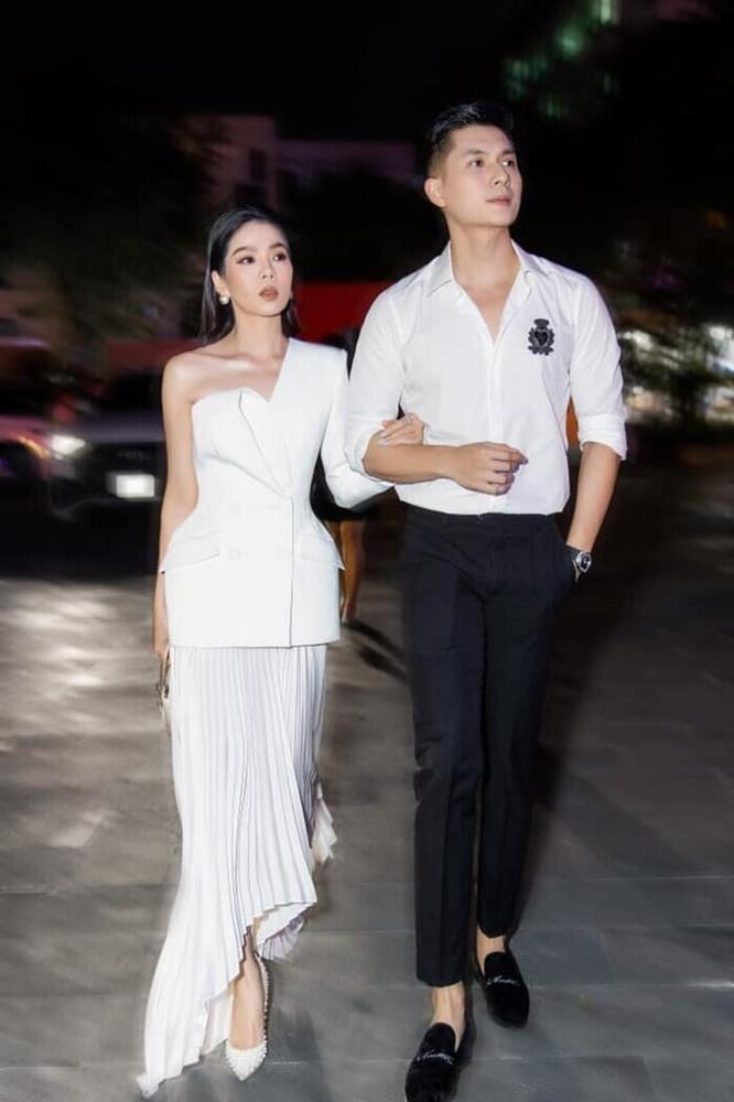 Nằm cạnh Lệ Quyên, cặp giò Lâm Bảo Châu chiếm spotlight-4