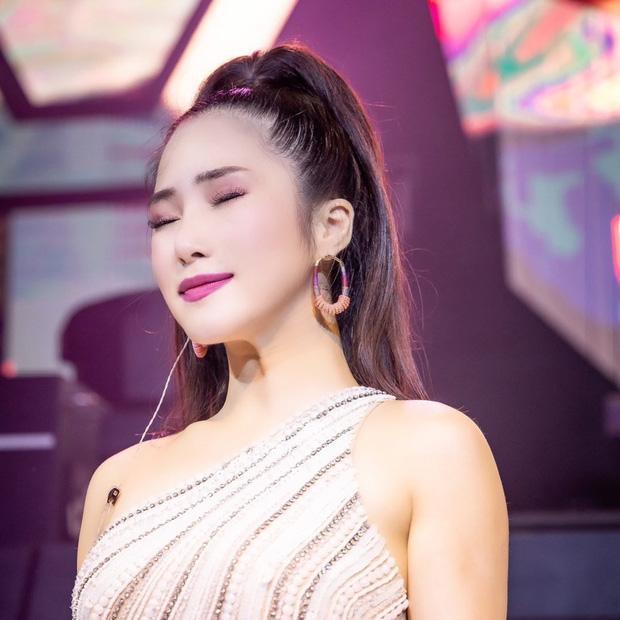 Tranh cãi Hương Tràm hát live: Người tưởng Diva, kẻ chê quằn quại-1