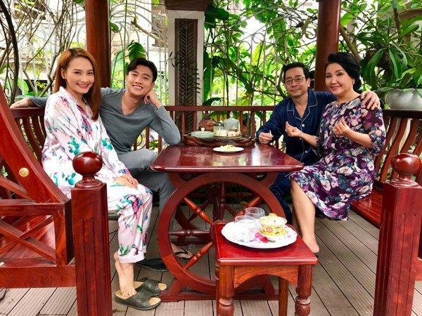 Phương Oanh hít khói nhiều mỹ nhân Việt khi mặc đồ ngủ-17