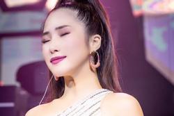 Tranh cãi Hương Tràm hát live: Người tưởng Diva, kẻ chê quằn quại