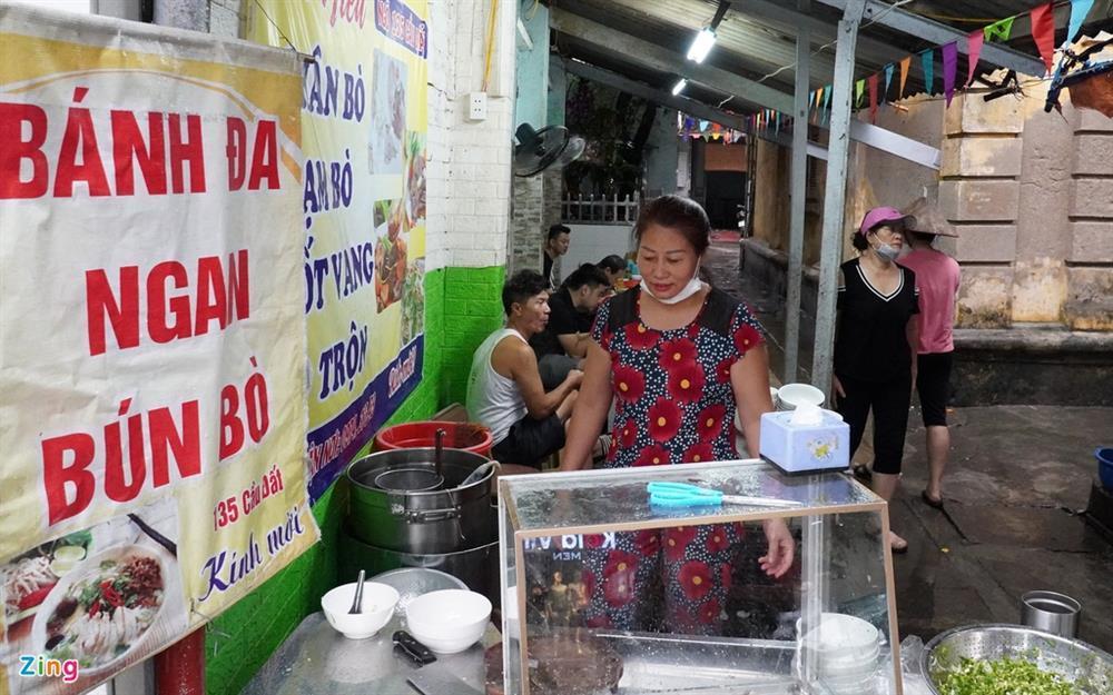 Hàng quán Hải Phòng ngày đầu mở cửa đón khách ăn uống tại chỗ-4