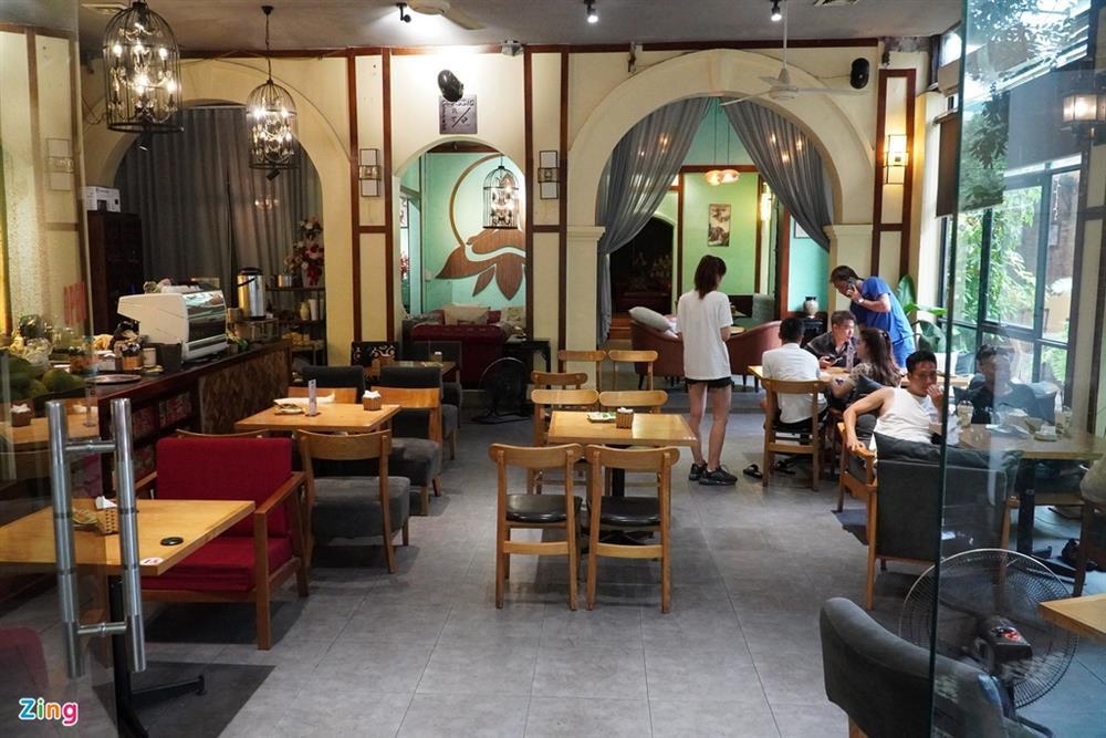 Hàng quán Hải Phòng ngày đầu mở cửa đón khách ăn uống tại chỗ-6