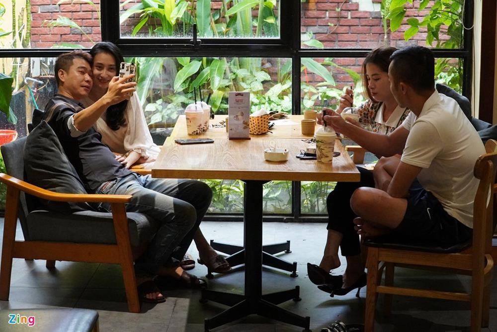 Hàng quán Hải Phòng ngày đầu mở cửa đón khách ăn uống tại chỗ-8