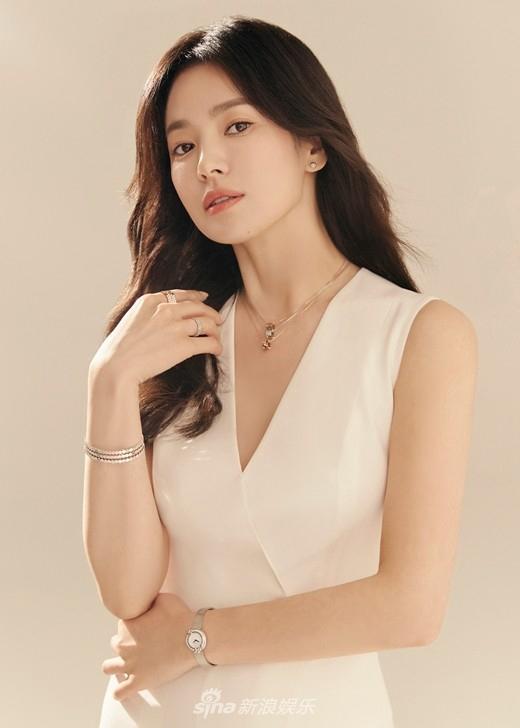 Vẻ đẹp không gì sánh bằng của Song Hye Kyo tuổi 40-4
