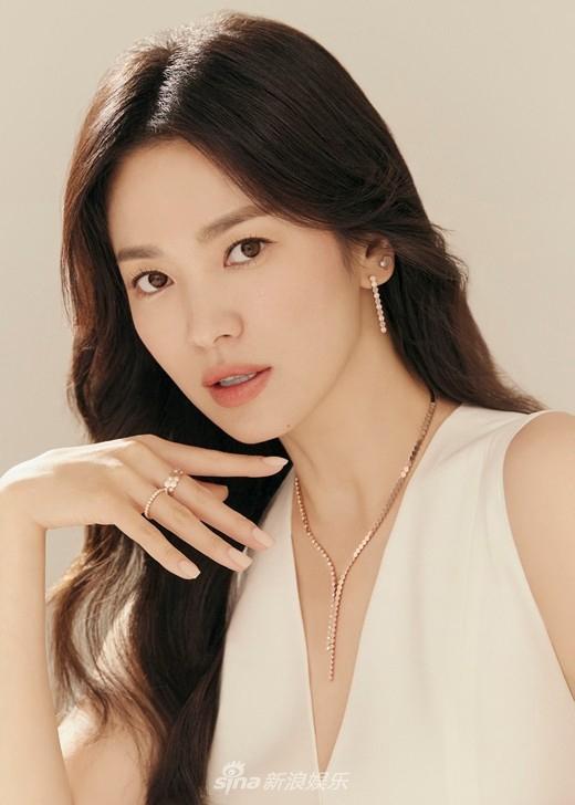 Vẻ đẹp không gì sánh bằng của Song Hye Kyo tuổi 40-5