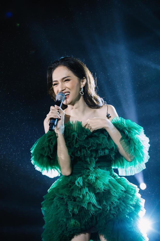 Hương Giang bị đào clip ca hát, lần này còn được ví như Jisoo BlackPink?-2