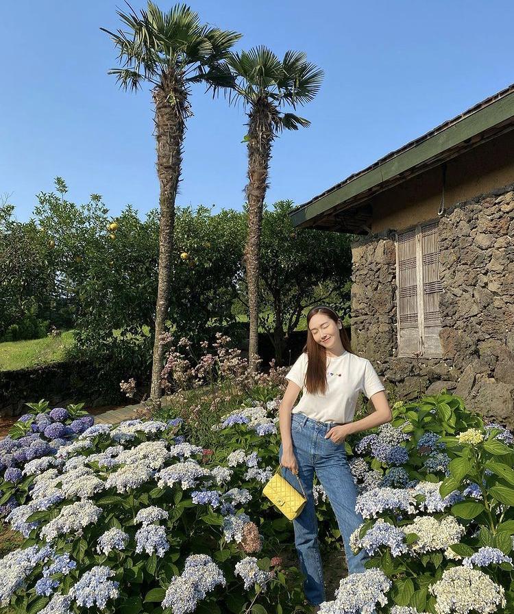 Công thức mix đồ đơn giản siêu đẹp như chị em Jessica - Krystal-1