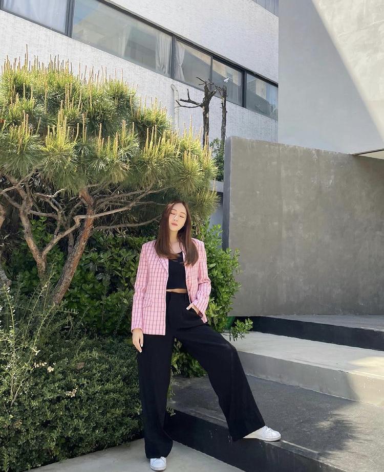Công thức mix đồ đơn giản siêu đẹp như chị em Jessica - Krystal-10