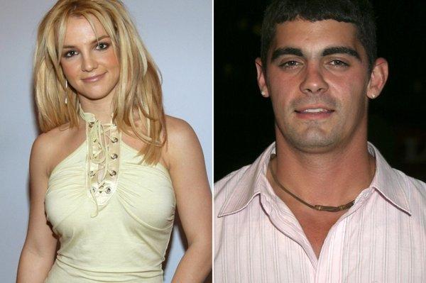 Người chồng 55 tiếng lên tiếng về lễ đính hôn cùng Britney Spears-1