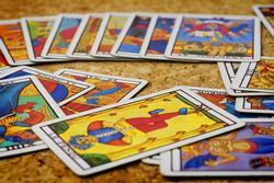 Bói bài Tarot thứ 6 ngày 17/9/2021: Chú ý tai nạn ở chân