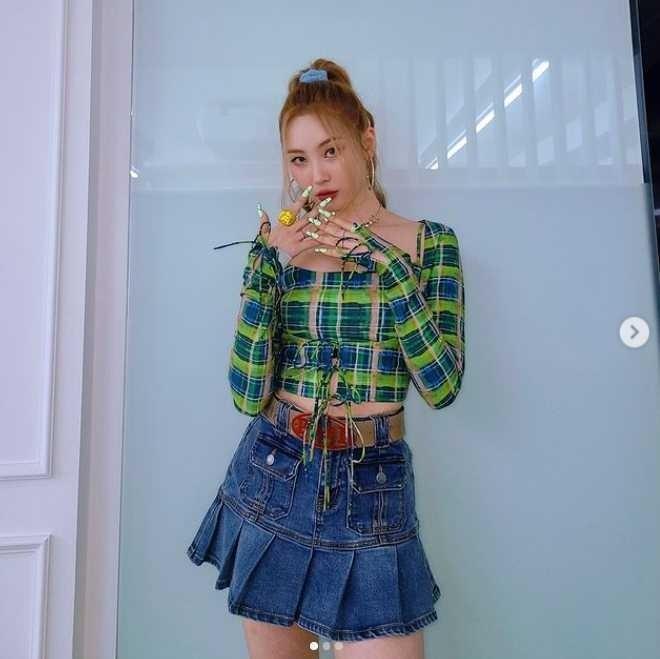 Jennie, HyunA trẻ trung lại quyến rũ khi diện loạt kiểu tóc Y2K-4