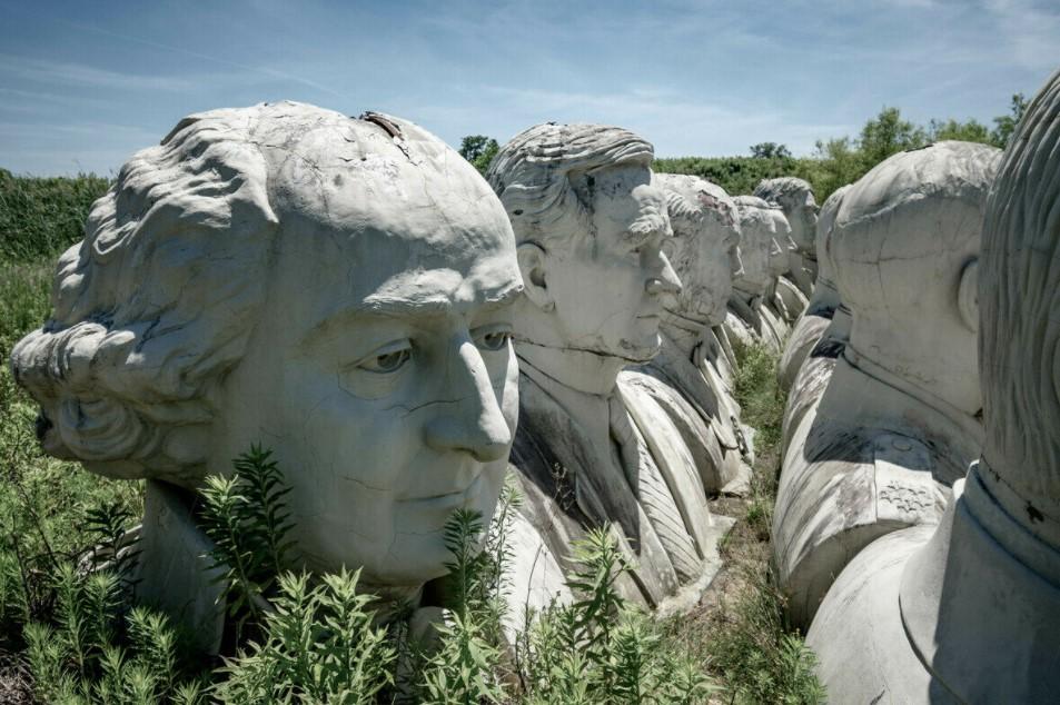 Cánh đồng kỳ lạ chứa 42 tượng bán thân các đời Tổng thống Mỹ-4