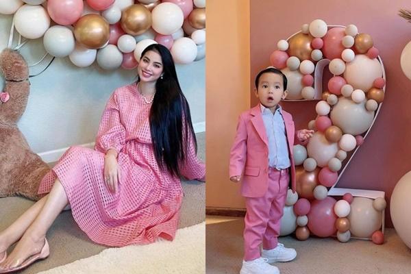 Phạm Hương khoe ảnh bé Max 4 tháng, diện đồ đôi sành điệu-6