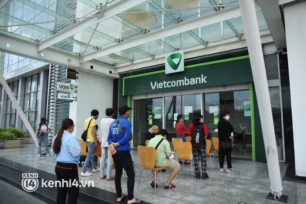 TRỰC TIẾP: Thủy Tiên đã nhận sao kê tại ngân hàng-3