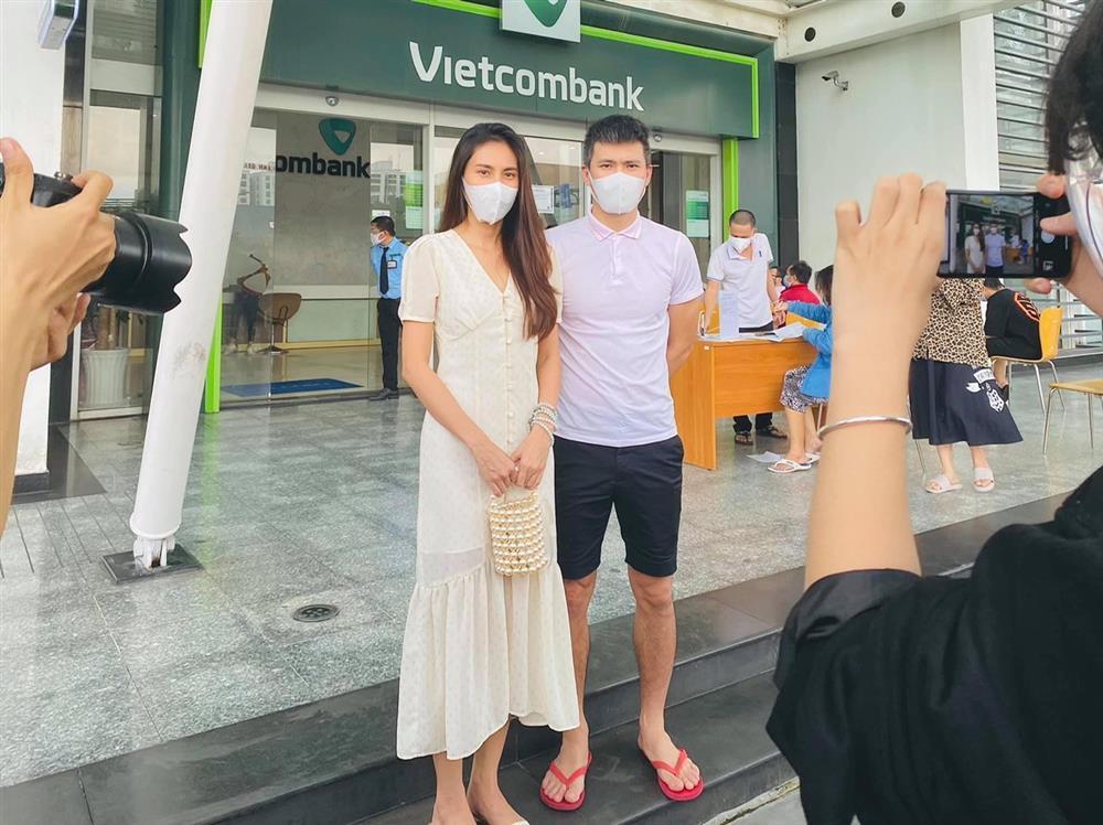 Shop online được mùa váy túi sao kê của Thủy Tiên - Công Vinh-4