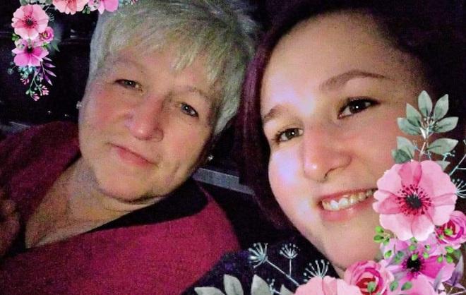Bài xích vắc xin, 2 mẹ con qua đời vì Covid-19 trong vòng 2 tuần-1