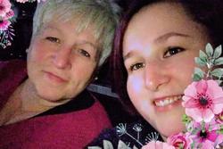 Bài xích vắc xin, 2 mẹ con qua đời vì Covid-19 trong vòng 2 tuần