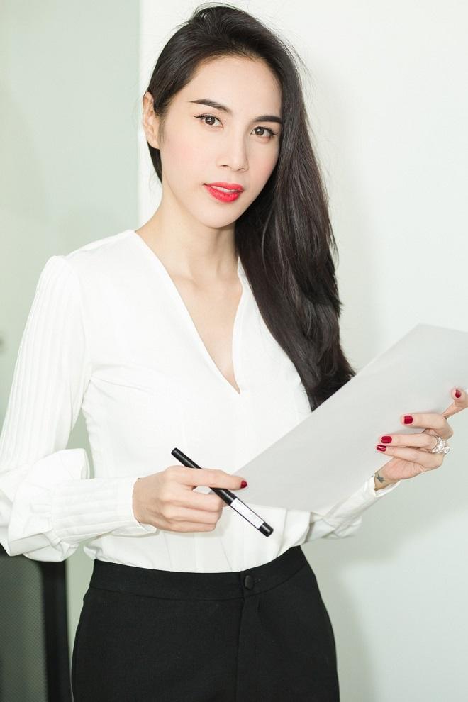 Thủy Tiên - Công Vinh xác nhận nộp đơn tố cáo bà Phương Hằng-4