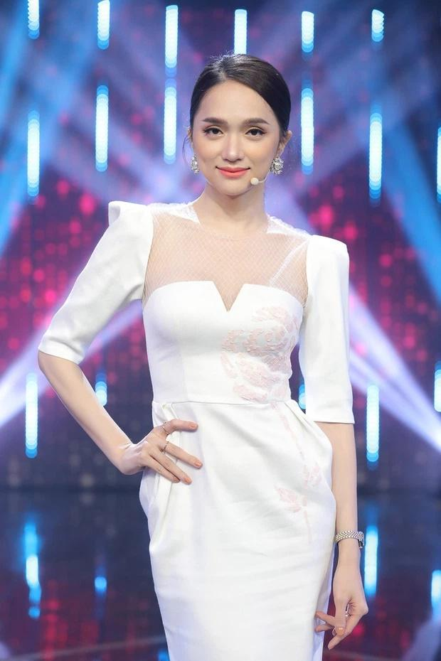 Váy Ngọc Trinh, Thủy Tiên mặc hôm nay, hôm sau bán đầy chợ-9